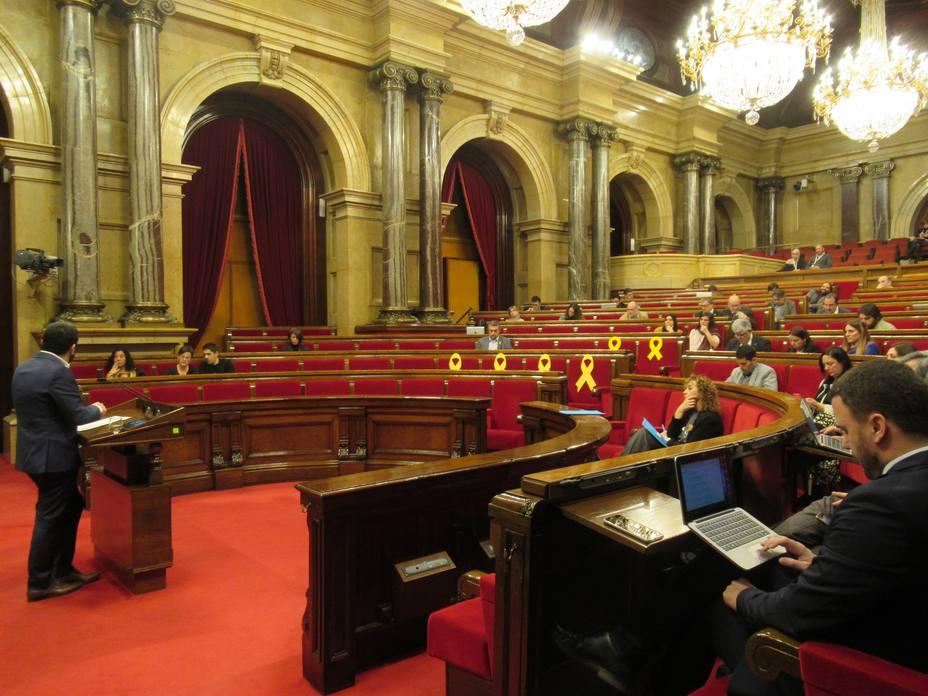 La Generalitat espera 30.000 folios del Archivo de Salamanca en litigio en el Supremo