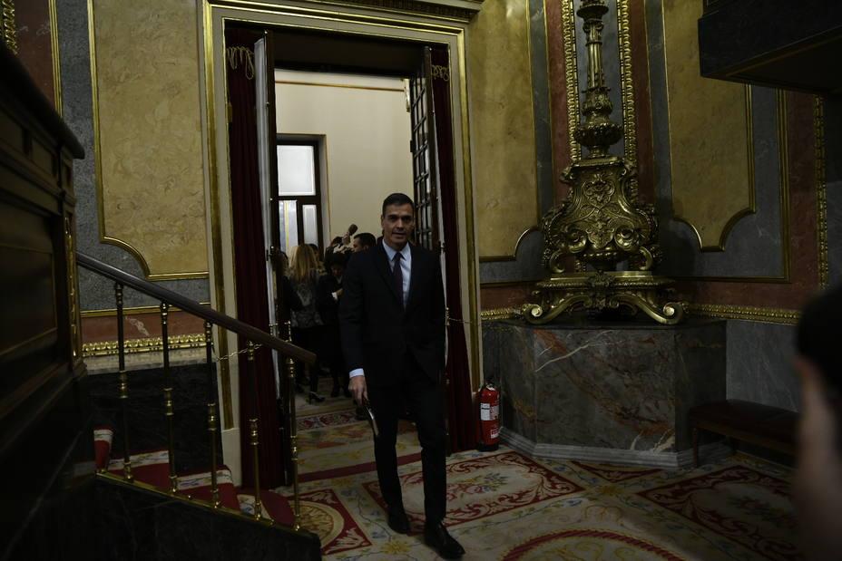 Pedro Sánchez abandona el Congreso sin hablar de elecciones ni de la anunciada derrota de sus Presupuestos