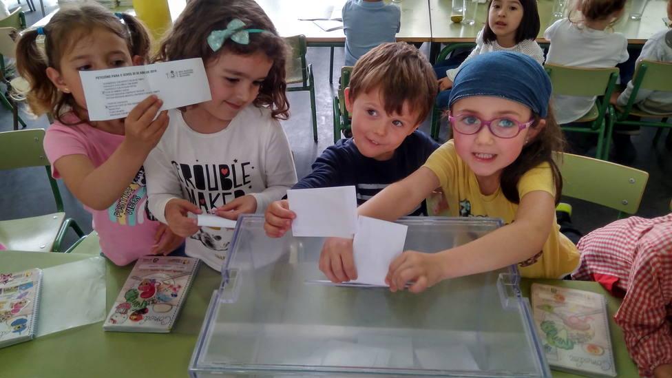 Los niños gallegos que escogen por votación el menú de fin de curso