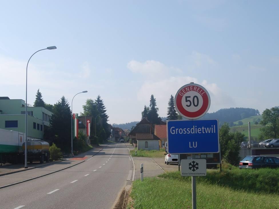 La sorprendente cantidad de dinero que dará un pueblo suizo a los jóvenes que se queden en el municipio