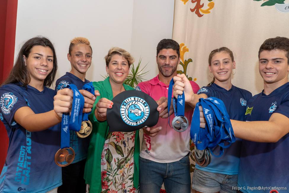 El Club Natación Cartagonova se trae a casa 16 medallas del Campeonato de España
