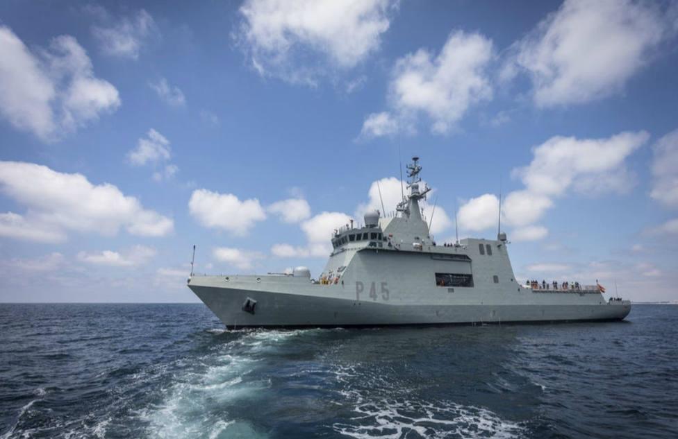 Así es el Audaz, el buque de la Armada utilizado contra la piratería que escoltará al Open Arms hasta España