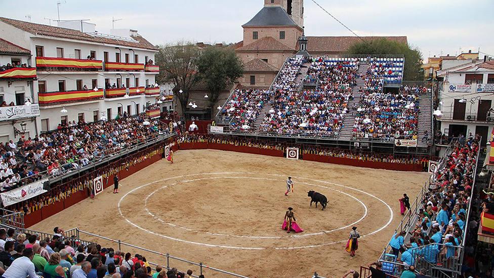 La plaza de toros de Arganda del Rey casi se llenó en su primer festejo