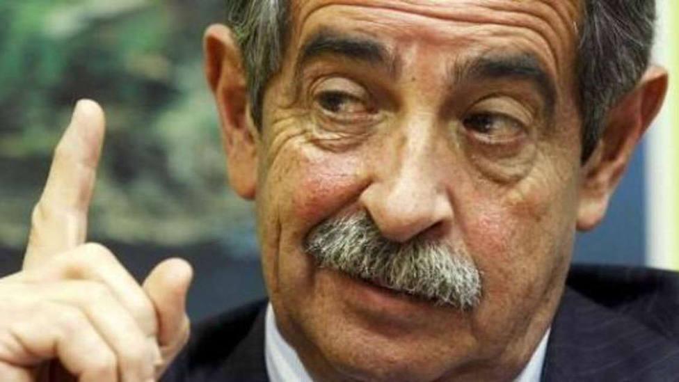 Revilla defiende a Sánchez, otra vez, e insta a Casado a abstenerse en nombre de España para evitar comicios