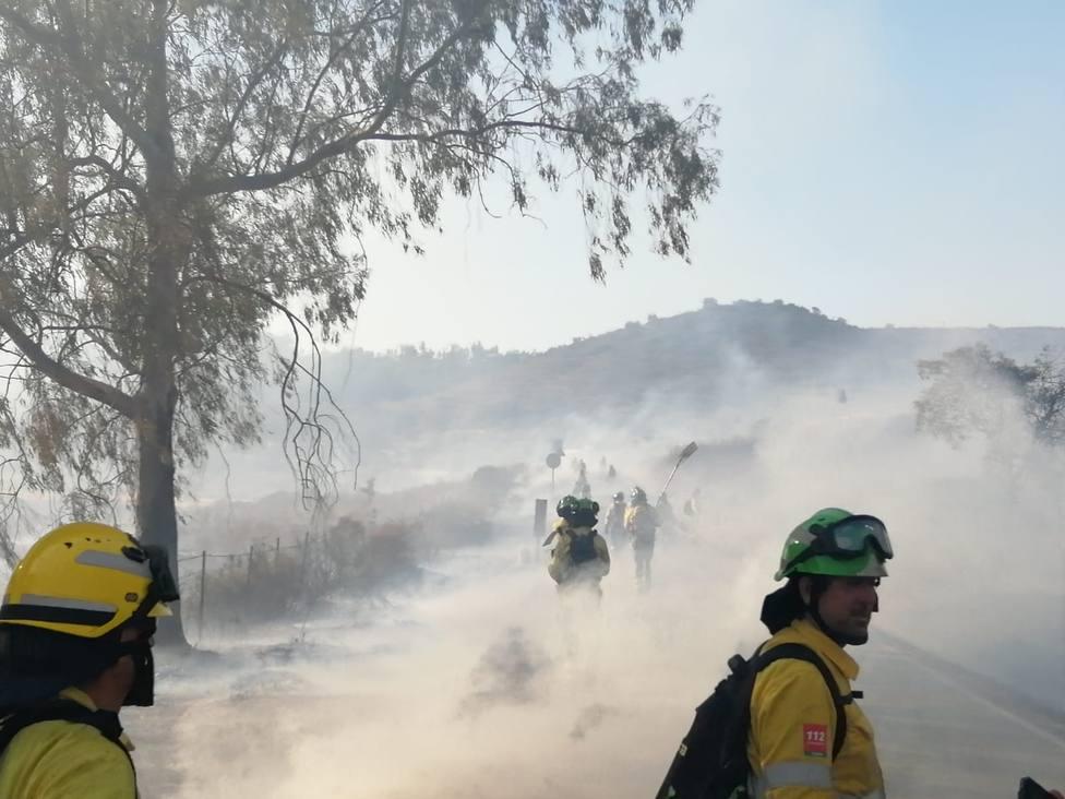 Declarado un incendio en Paterna del Campo (Huelva) en el que intervienen 43 bomberos y diez medios aéreos