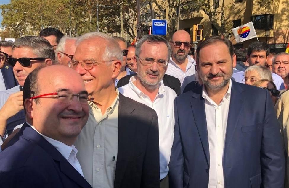 Josep Borrell, José Luis Ábalos y Miquel Iceta en al manifestación de SCC