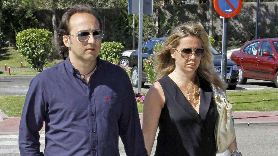La mujer de Iker Jiménez anuncia la pérdida de un ser querido: Estamos destrozados