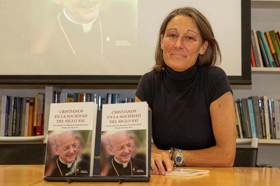 El prelado del Opus Dei asegura en un libro que la pandemia ha planteado una emergencia afectiva