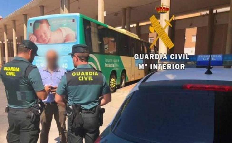 Detienen al ladrón de dos viviendas de Roquetas cuando pretendía abandonar la localidad en bus
