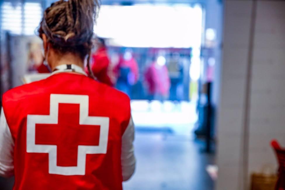 Detectan un brote de coronavirus con 31 positivos en el centro de acogida de Cruz Roja Almería