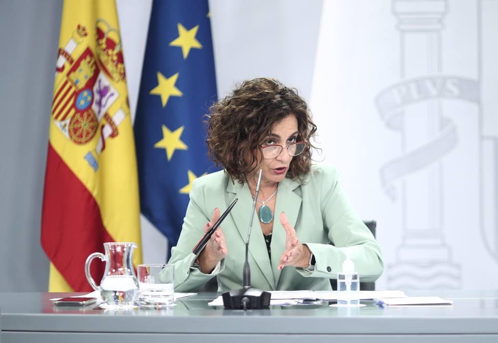 Montero pide a Madrid escuchar a los que saben para frenar la transmisión del virus en la región