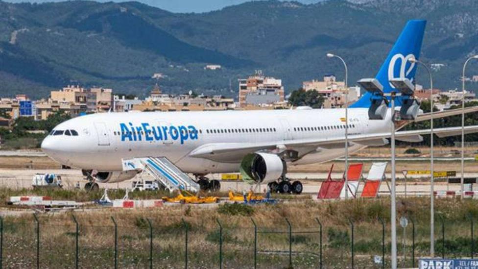 Air Europa llega a un acuerdo con el Sepla para mejorar condiciones del ERTE