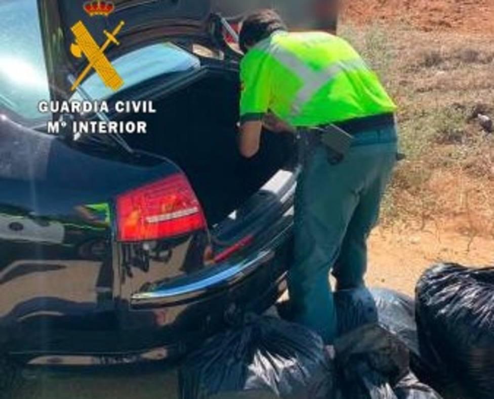 Arrestado por circular por la A-7 con 44 kilos de cogollos de marihuana en el maletero