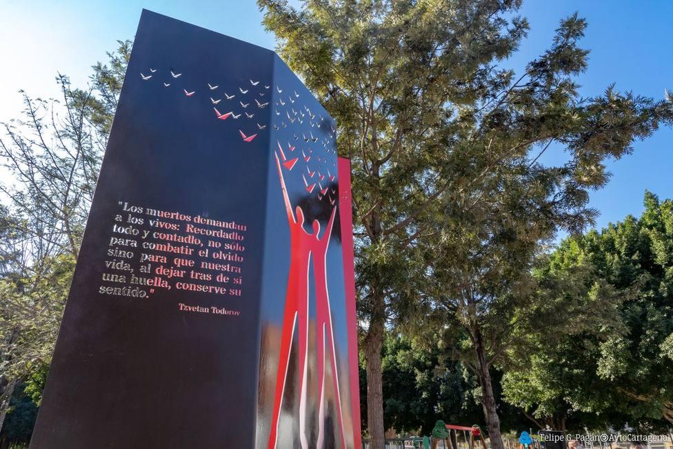 El Ayuntamiento de Cartagena inaugura un monumento en memoria de las personas con sida