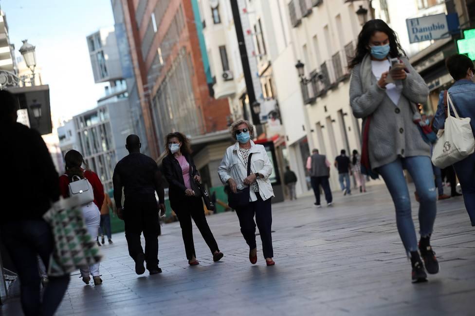Los contagios se estabilizan en Madrid y se registran menos fallecidos que ayer