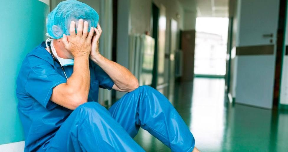 Médico agotado
