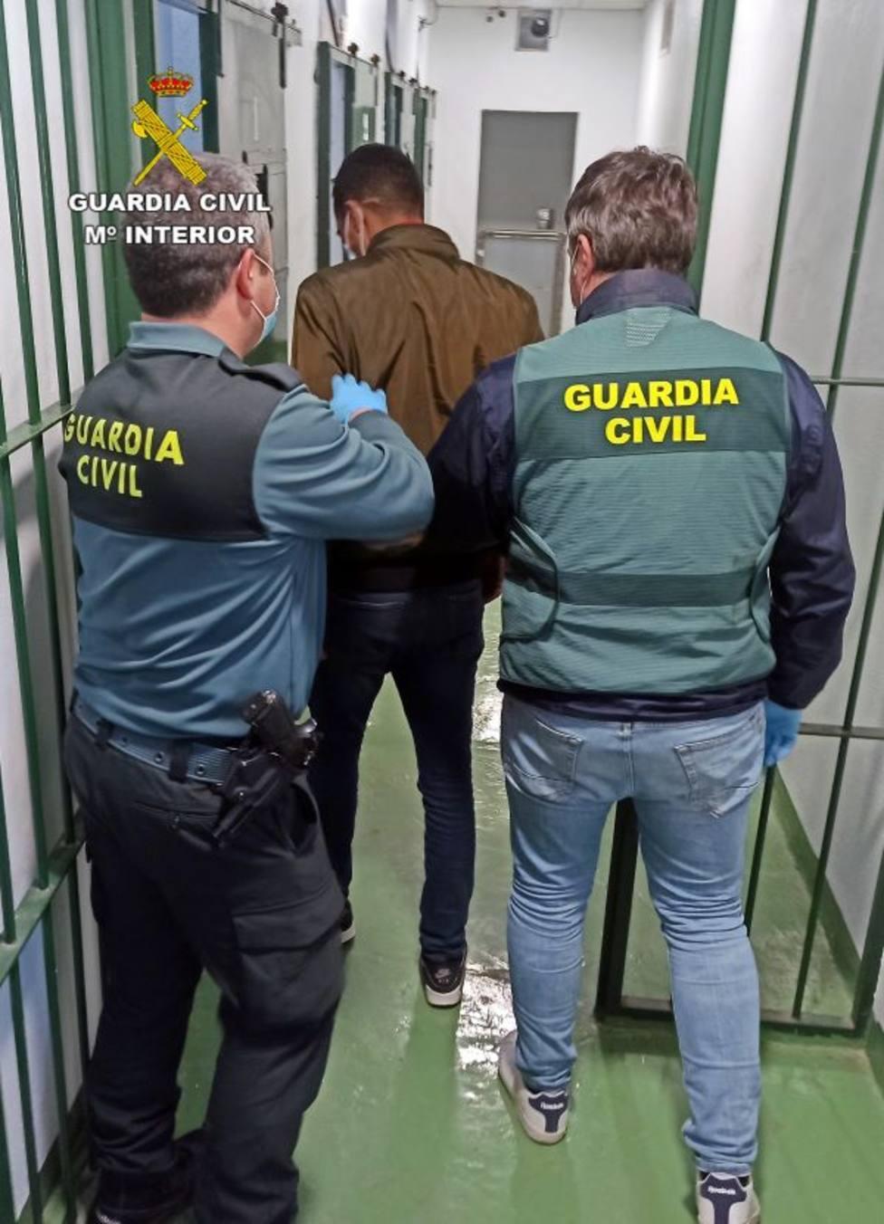 La Guardia Civil detiene en Torre Pacheco a un experimentado delincuente buscado por la justicia