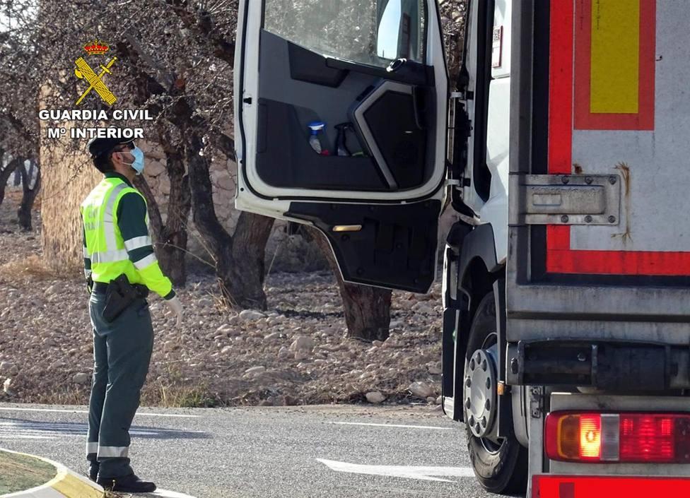 Investigan en Murcia a dos personas por manipular presuntamente el tacógrafo de un vehículo pesado