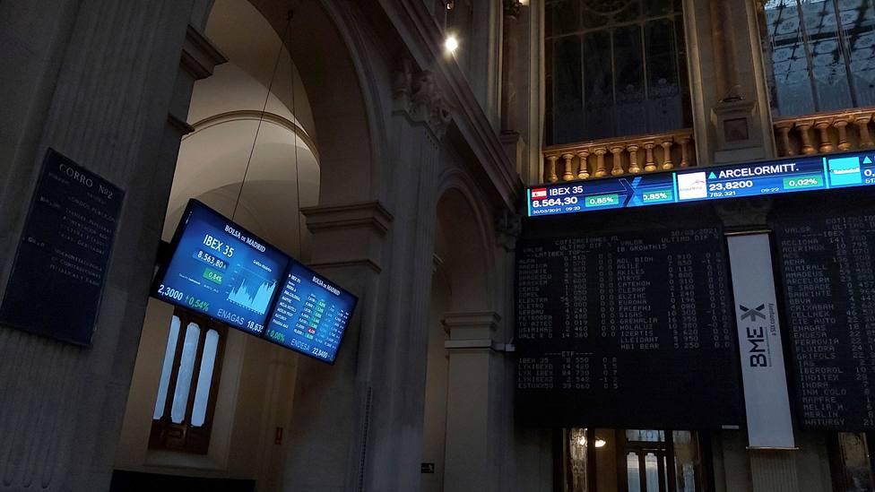 Sube la Bolsa, baja el petróleo, aumenta la rentabilidad del bono de EEUU y se fortalece el dólar