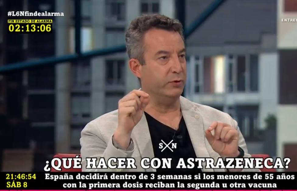 El doctor Carballo alza la voz sobre la segunda dosis de AstraZeneca: Se juega con la vida de la gente