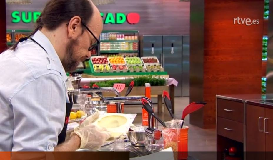 Captura de imagen de Santiago Segura en MasterChef