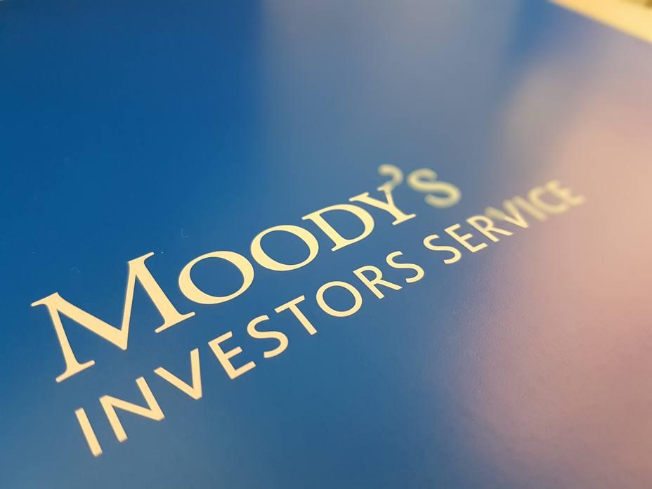 Moodys, tras la decisión de Sánchez sobre el impuesto hipotecario: La banca lo repercutirá al cliente