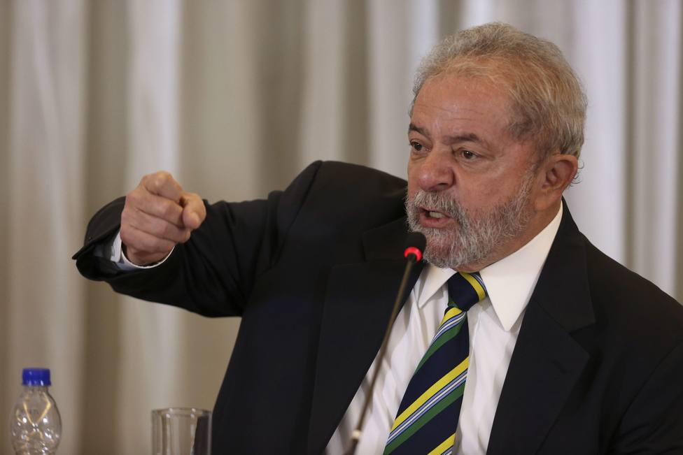 La justicia brasileña rebaja más de tres años la pena a Lula da Silva