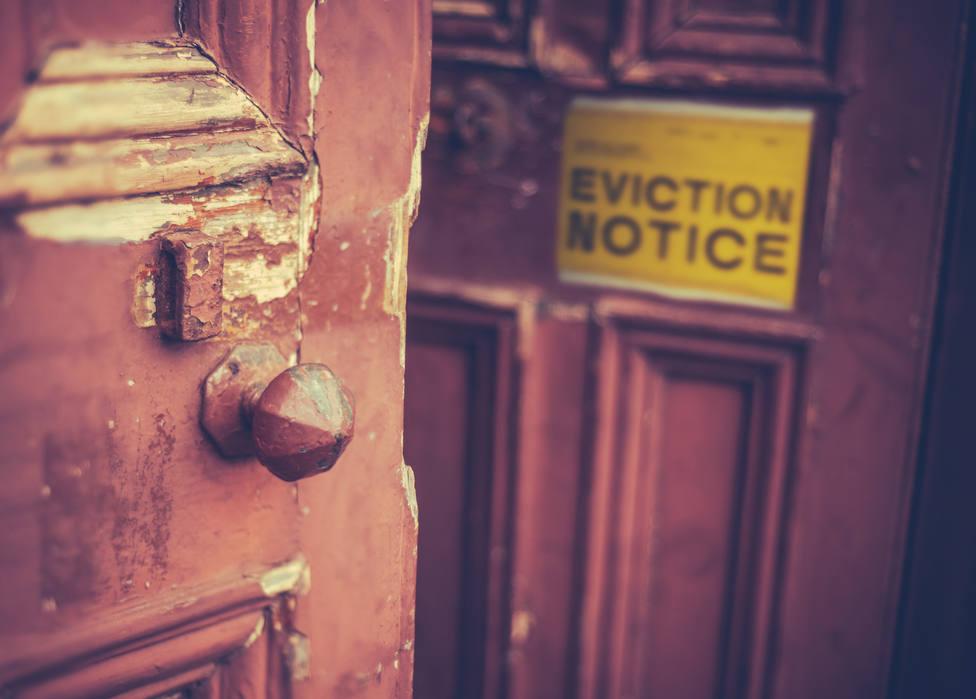 ¿Cuánto cuesta echar a los okupas de una vivienda mediante una empresa de 'desalojos exprés'?