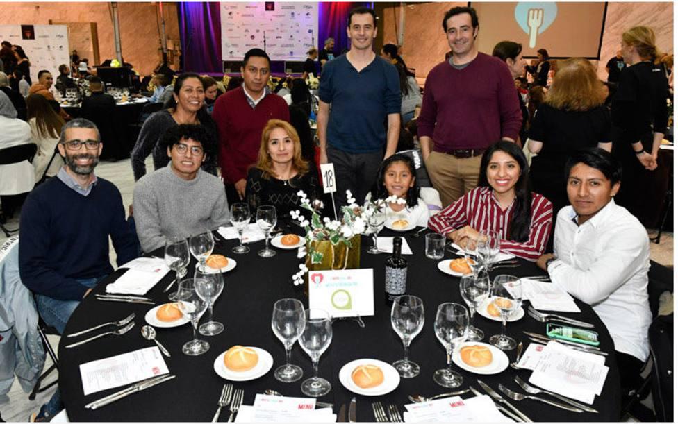 La Compañía de las Obras ha organizado una cena a la que asistieron personas sin hogar o refugiados