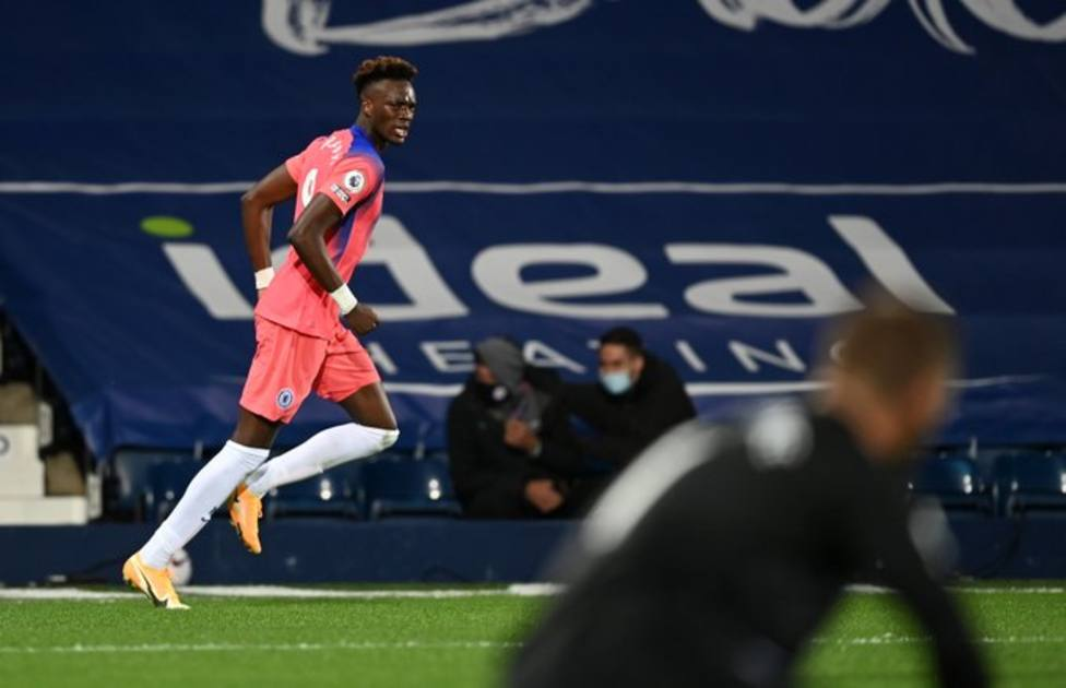 El Everton se coloca lider de la Premier; el Chelsea empata en el último minuto