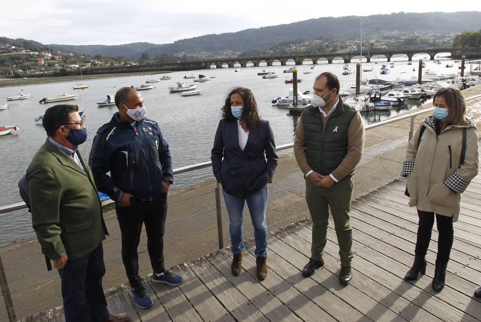 La presidenta de Portos de Galicia visitó Pontedeume. FOTO: Concello Pontedeume