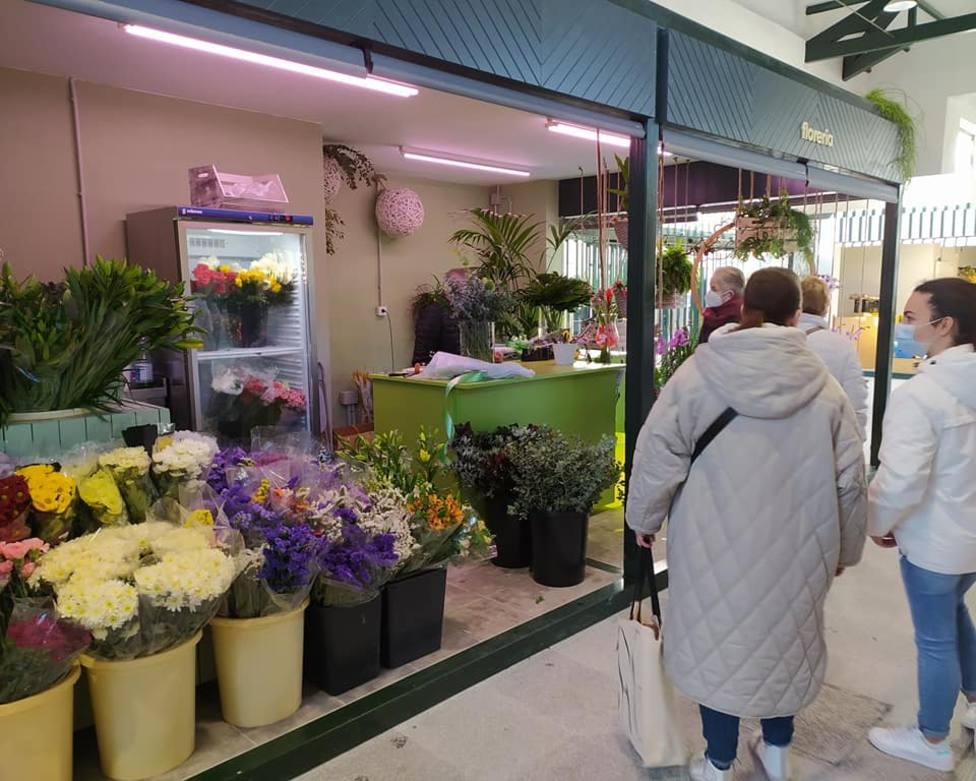 Floristería ubicada en el nuevo mercado municipal de Pontedeume. FOTO: Yolanda Vázquez