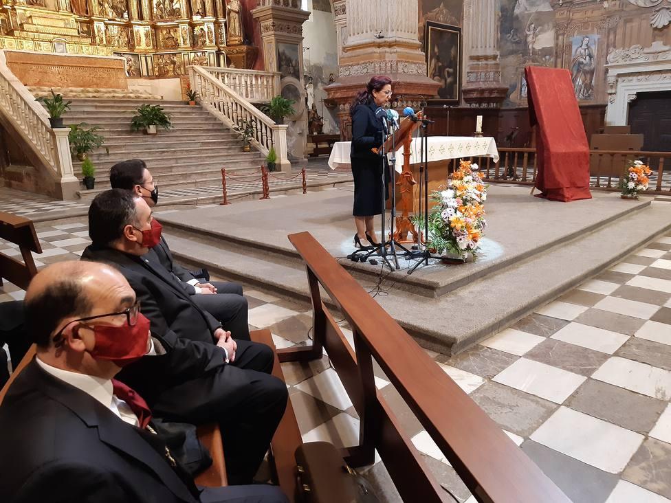 Así defiende su obra la autora del polémico cartel de la Semana Santa de Granada: Me quiero morir