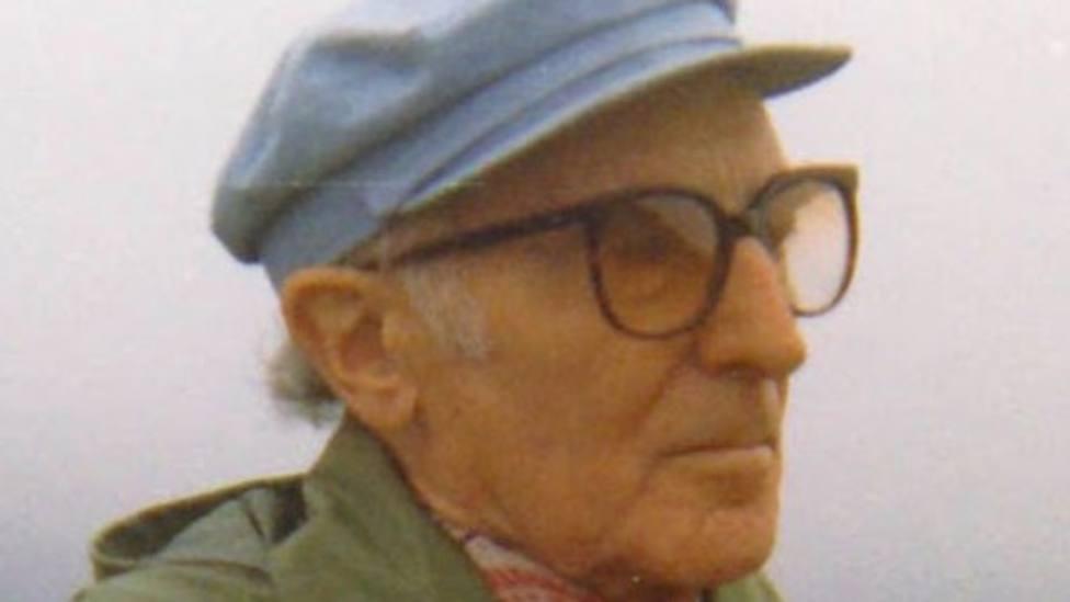 Lois Tobío (Viveiro, 1906-Madrid, 2003) fue escritor, traductor y diplomático