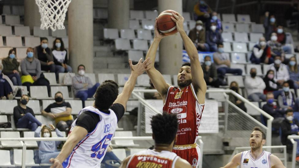 Real Murcia baloncesto bate su récord anotador arrollando a HLA Alicante (81-105)