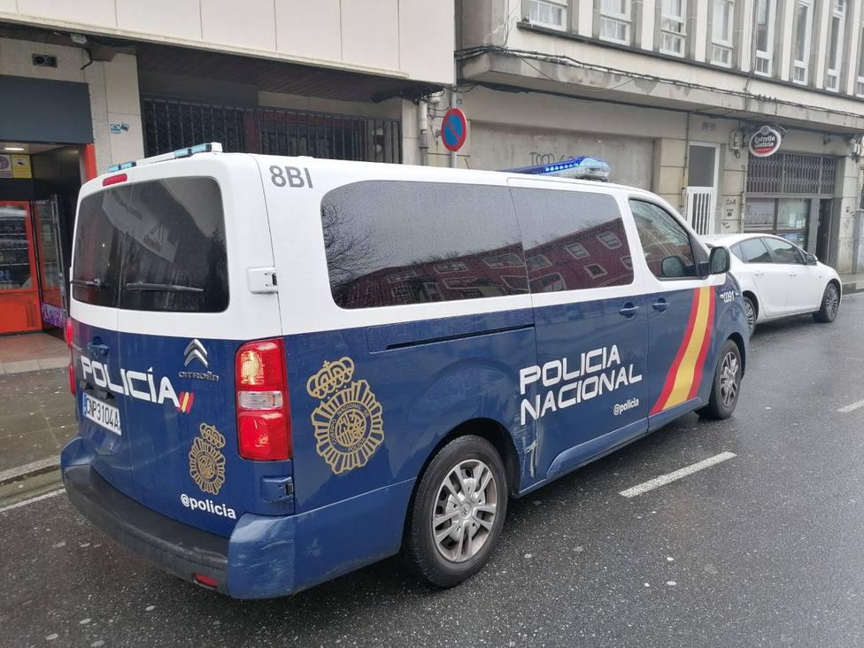 Foto de archivo de una furgoneta de la Policia Nacional por Ferrol