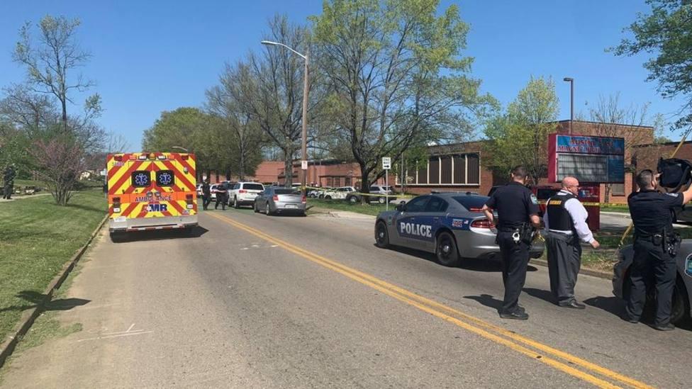 Al menos un muerto y un herido en el tiroteo de un instituto de EE. UU.