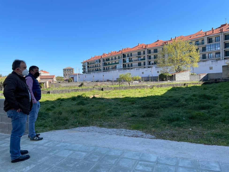 Terrenos que ocupará el segundo aparcamiento gratuito de Xinzo de Limia