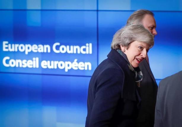 Theresa May se enfrentará a una moción de confianza