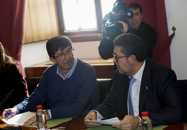 La Junta de Portavoces aprueba por unanimidad celebrar el Pleno de investidura de Moreno el 15 y 16 de enero