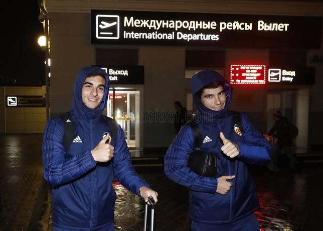 Ferran Torres y Carlos Soler en Krasnodar