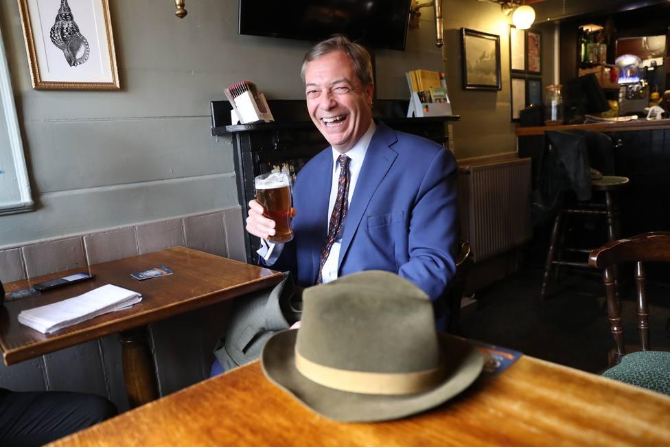 El partido de Farage desbancaría a conservadores y laboristas en unas hipotéticas elecciones europeas