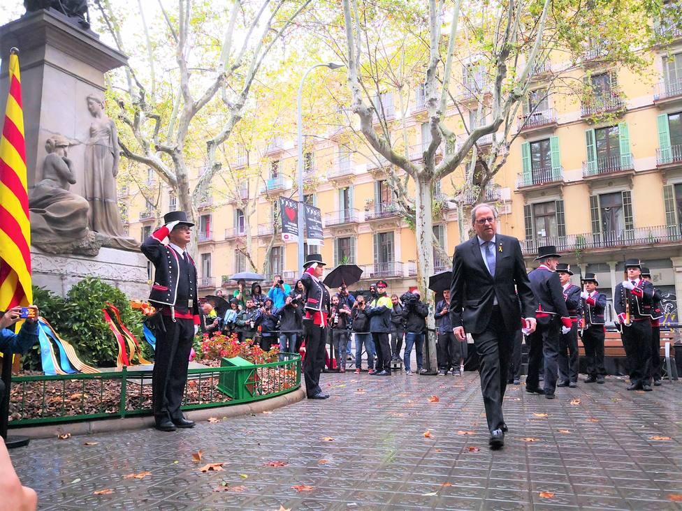 Mossos identifica a dos personas por poner el himno español en la ofrenda de Torra a Casanova