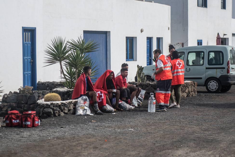 5 muertos al volcar una patera en Lanzarote
