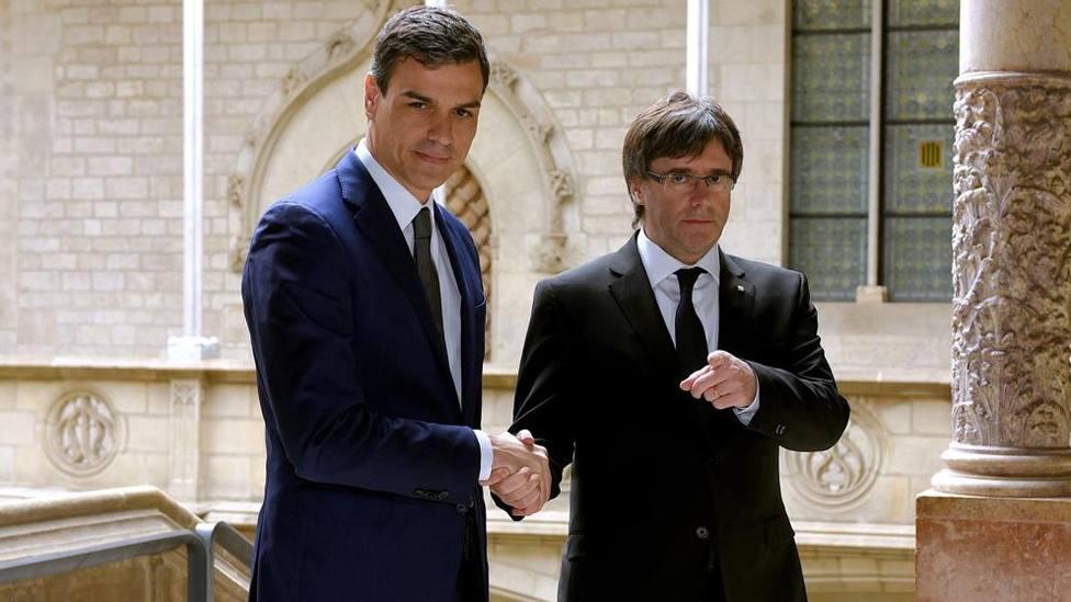 Una imagen de archivo de Sánchez y Puigdemont