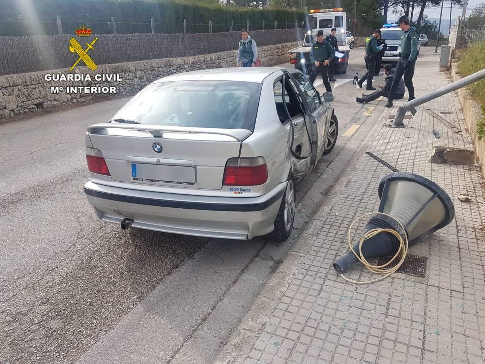 Detenido en Mallorca un joven sin carnet que se saltó el alto de la Guardia Civil