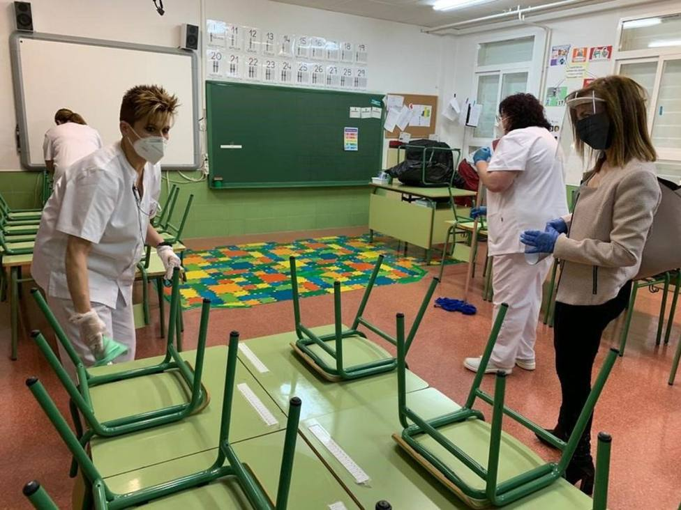 Ante el inicio del curso escolar el Gobierno regional desinfectará los accesos a los colegios en Cantabria