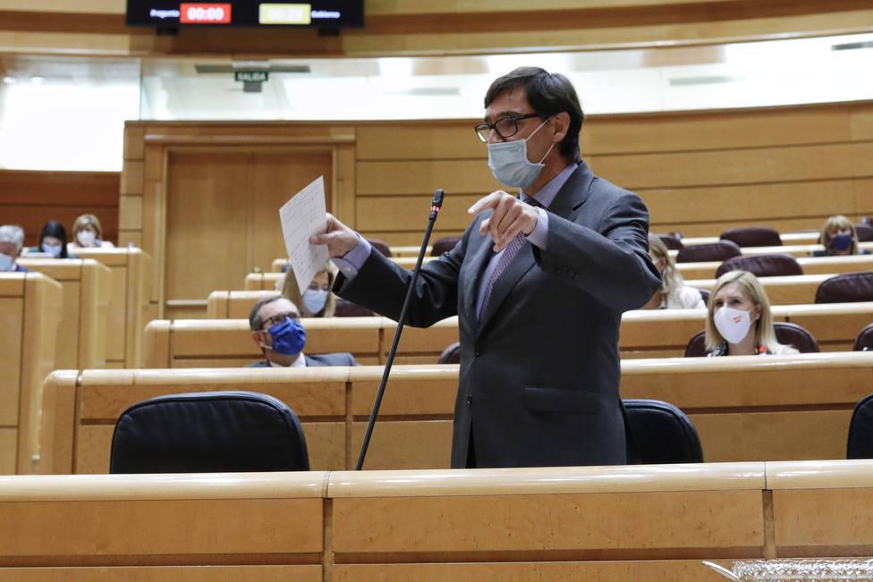 El ministro de Sanidad pide una actitud constructiva al PP para actuar antes frente a la covid-19