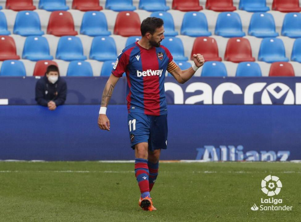Morales celebra el 2-1 del partido