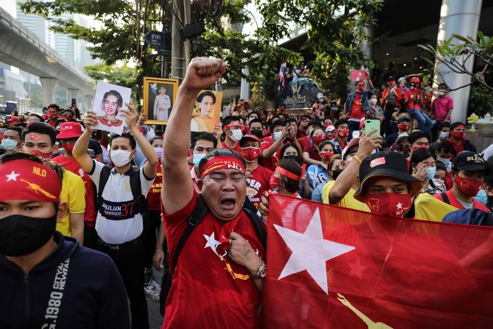 Al menos tres personas han fallecido durante una protesta en Birmania
